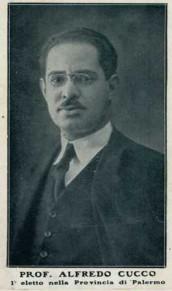 Foto 6: Alfredo Cucco (1893-1968) in una immagine in cartolina diffusa all'indomani della sua elezione alla Camera nel 1924