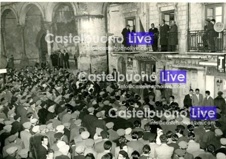 Foto 5 Comizio dell'on. Vincenzo Carollo all'indomani della sua nomina ad assessore regionale all'agricoltura (1960)