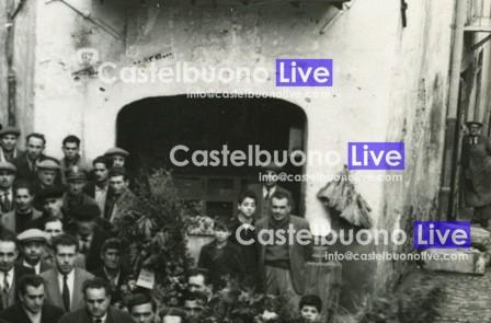 Foto 10 - Una putìa i lùordu (1950)