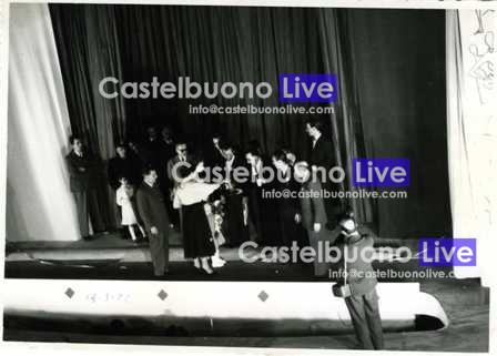 foto 22 Inaugurazione delle Fontanelle. Al centro il sindaco Gino Carollo e Vincenzo Minà, uno dei gestori