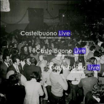 foto 24 il pubblico delle Fontanelle, carnevale 1973