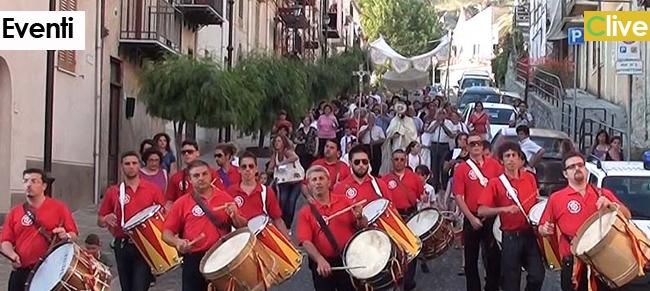 """il 6 giugno a Gratteri ritorna la tradizionale e antichissima """"tammuriniata"""" denominata """"a tuccata di lupi"""""""