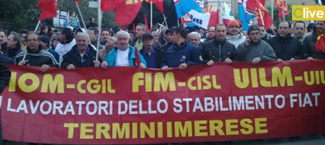 Continua la protesta degli operai Fiat. Occupata la stazione Fs Fiumetorto