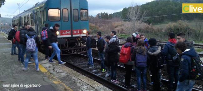 treno, disagio, pendolari