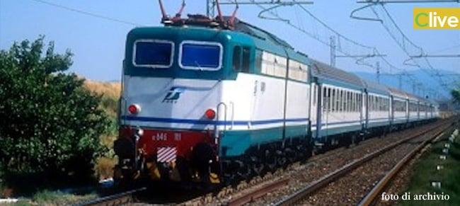 Paura a Cefalù, scontro tra un treno e un camper