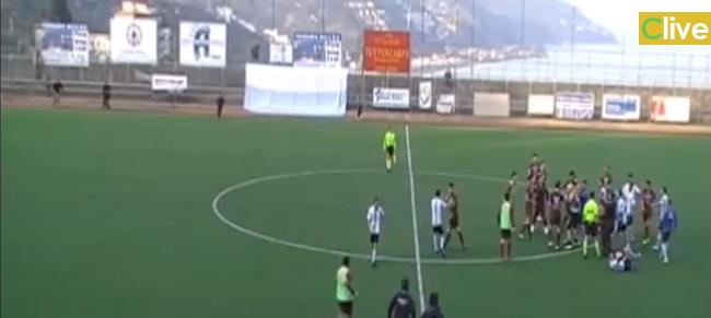 Pubblicato il video esclusivo che mostra l'aggressione subita dalla Castelbuonese durante la trasferta a Taormina