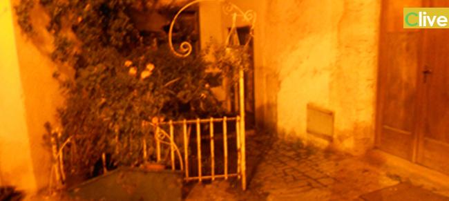 Continuano gli incendi misteriosi a Castelbuono. Senza tregua il negozio Punto Verde: ieri prendono fuoco delle orchidee, oggi anche altre piante e coltelli