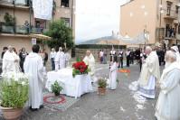"""Domenica 22 giugno a Castelbuono la processione del Corpus Domini con l'Infiorata di """"carti rizzi"""""""