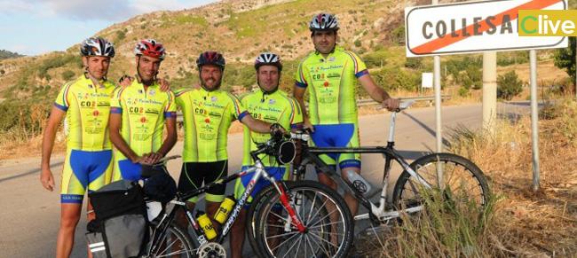 Sei ciclisti di Collesano in viaggio verso Santiago de Compostela
