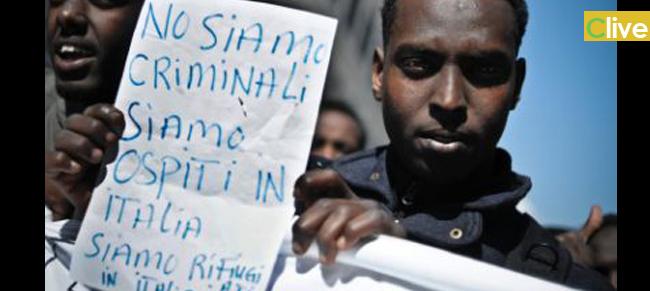 Protestano migranti ospiti dell'ex hotel Ventimiglia. Sabato pomeriggio bloccata la statale che collega Geraci Siculo con Castelbuono