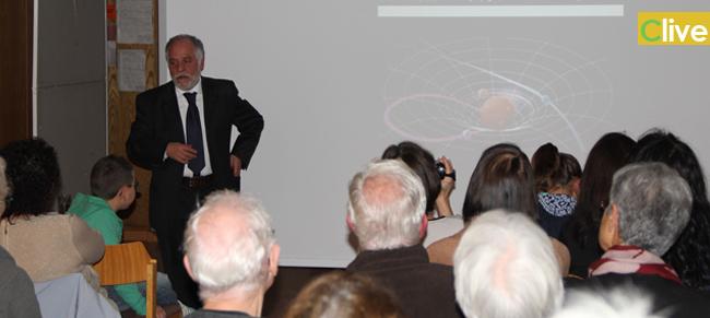 Isnello. Il Sindaco Mogavero in Germania, presenta il Parco Astronomico delle Madonie all'Università di Tubingen. Numerosi isnellesi emigrati alla conferenza su tradizioni e progetti del piccolo centro madonita