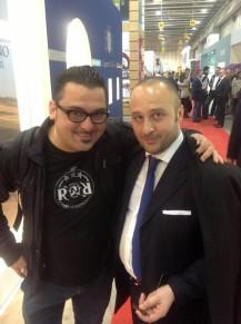il presidente del divino festival Dario Guarcello con Roy Paci durante il vinitaly